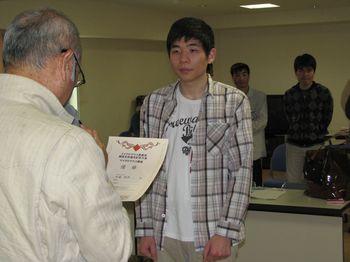 優勝した加藤さん.jpg